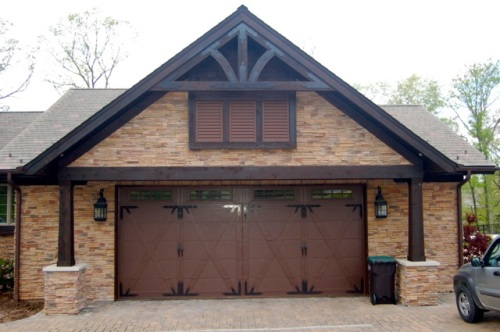 St. Louis driveway lighting and garage lighting