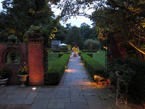 St. Louis landscape lighting path-lighting