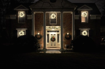 St. Louis traditional holiday lighting