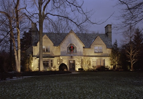 St. Louis upscale holiday home outdoor lighting
