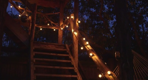 festival lighting strung up an outdoor stairway